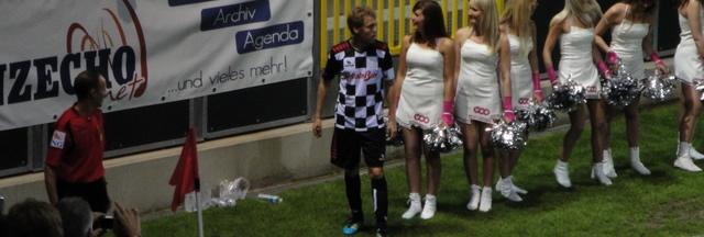 Benefizspiel in Eupen: Sebastian Vettel auch hier in der Pole Position